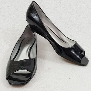 East 5th Women Black Dotted Patent Pump Heel Shoes